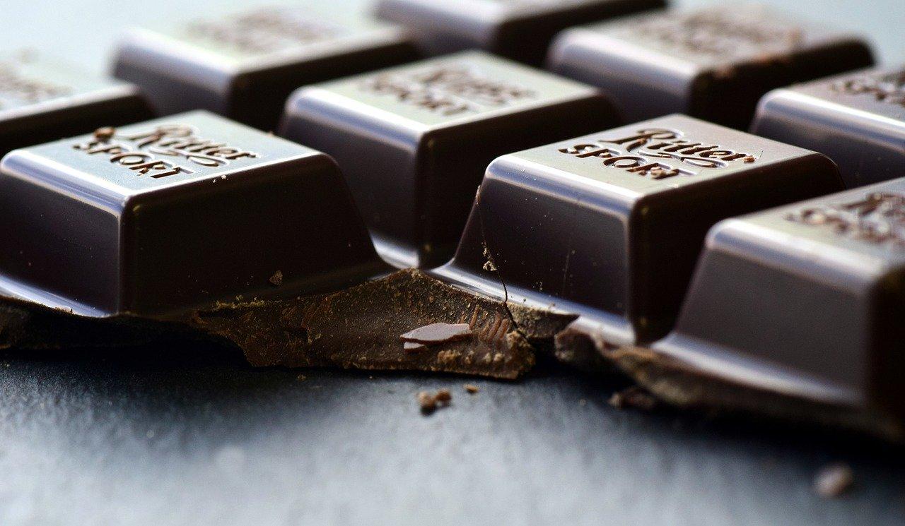 ciocolata neagra reducere zahar